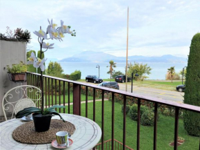 5 STAR SIRMIONE WITH PRIVATE BEACH AND GARAGE